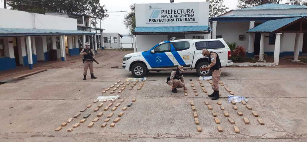 Más de 130 kilos de marihuana fueron secuestrados en la costa del río Paraná